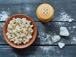 Традиционный соленый попкорн